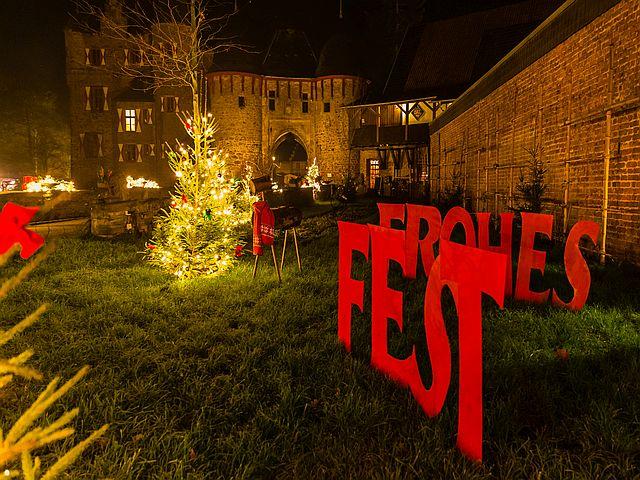 Burgweihnacht bei Köln Burg Satzvey  Mike Göhre 6 - Top-Tipp fürs Wochenende: Burgweihnacht auf der Burg Satzvey