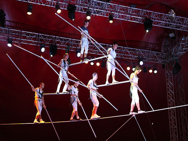 one world wintercircus Kinderzirkus douglas gerling - ONE WORLD WINTERCIRCUS