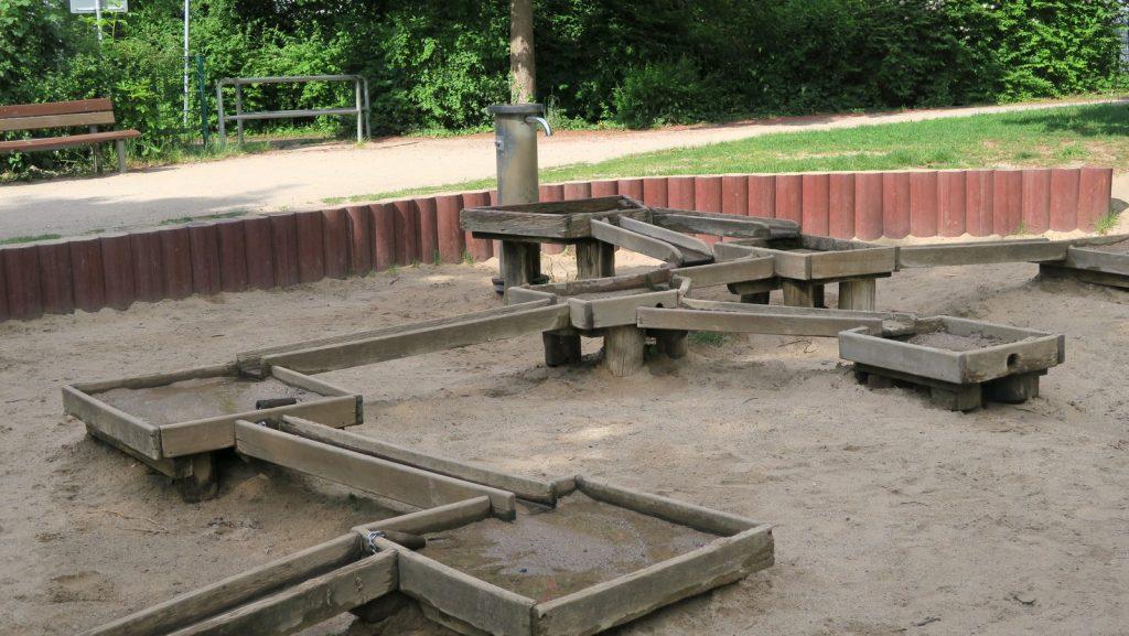 Köln Nippeser Tälchen mit Kind 9 1024x577 - Die besten Wasserspielplätze in Köln