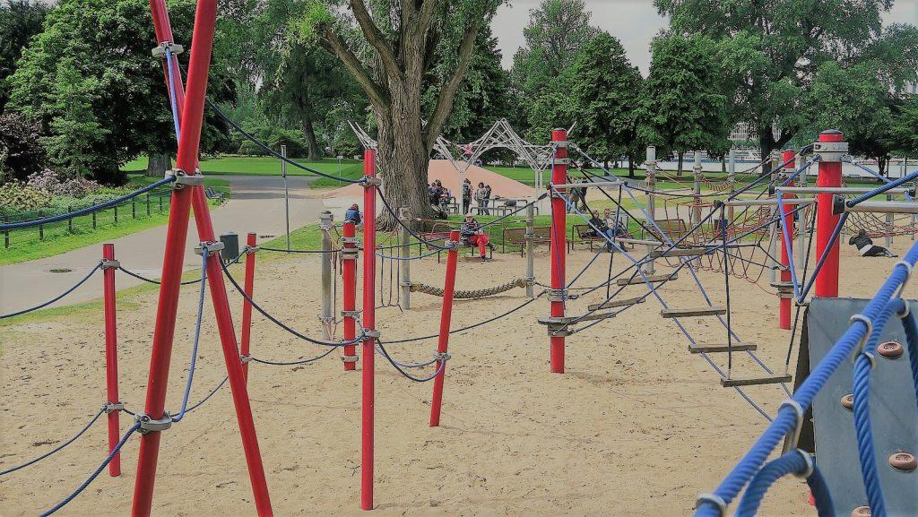 Köln Rheinpark Köln mit Kind 22 1 1024x577 - Die fünf spannendsten Spielplätze in Köln