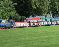 Bimmelbahn Rheinpark Spielplatz Köln Familienausflug Köln