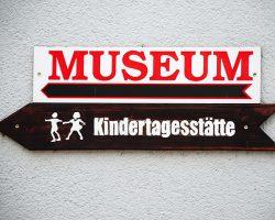 Kind + Kunst Kind in Köln Kind im Museum