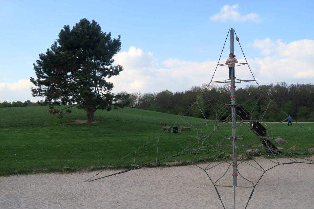 Forstbotanischer Garten Spielplatz 1 1024x683 - Forstbotanischer Garten mit tollem Spielplatz