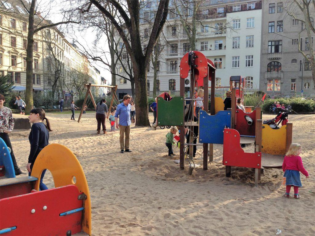 Rathenau Spielplatz 1 1024x768 - Die besten Wasserspielplätze in Köln