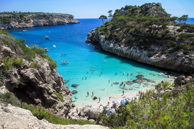 beach 2100369 640 Facundo Win Mallorca - Reisezeit Herbstferien - Sonne statt Wind und Regen
