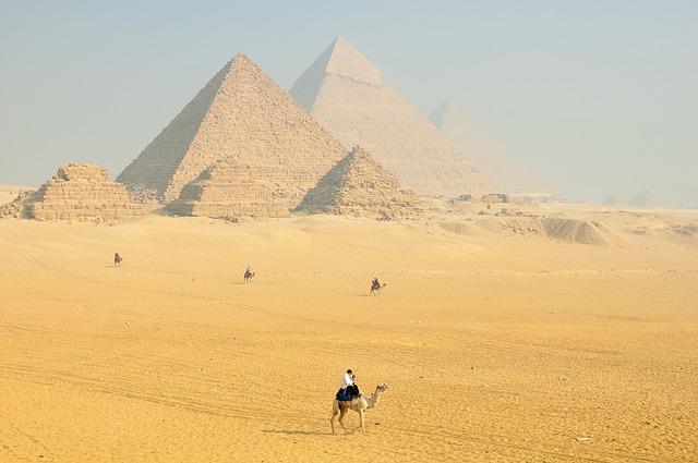 sphinx 1175828 640 Nadine Doelé Ägypten - Reisezeit Herbstferien - Sonne statt Wind und Regen