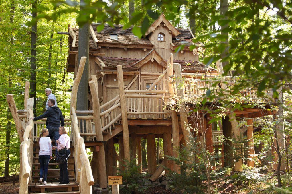 Erlebnispark Tripsdrill Natur Resort  Baumhaus Robinienheim klein - Mal anders übernachten - im Baumhaus, Hausboot oder Tipi